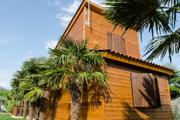 Caba as de madera en antoni camarasa viviendu for Cabanas de madera baratas