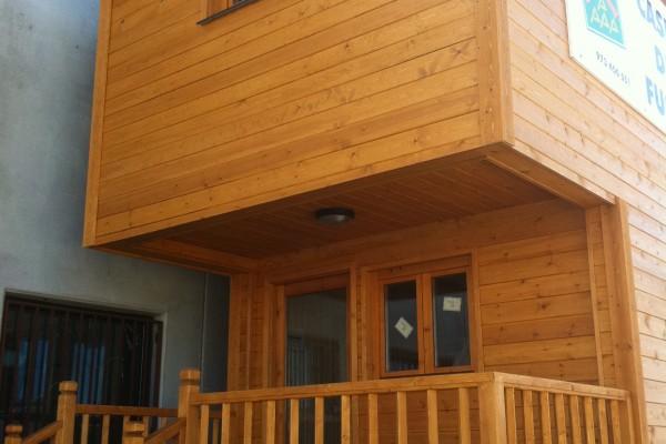 Cabañas de madera en Antoni Camarasa 297