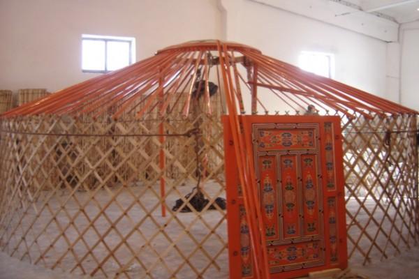 Jaimas, Tipis y Yurtas en Yurta Mongol 1595