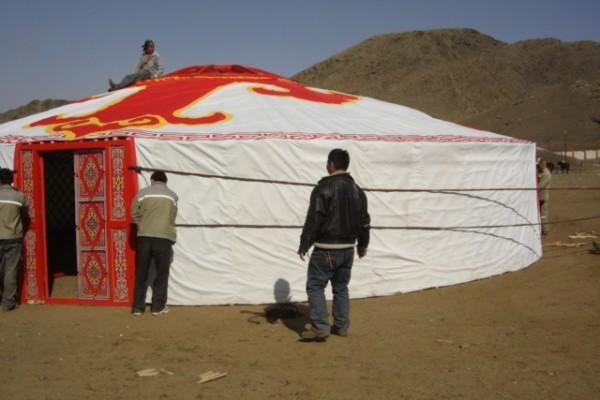 Jaimas, Tipis y Yurtas en Yurta Mongol 1588
