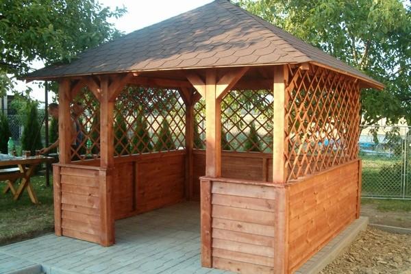 P rgolas porches y cenadores en madera siglo xxi casas for Porches de casas pequenas