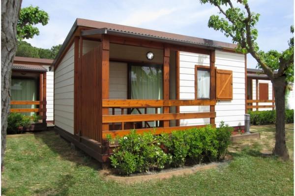 Cabañas de madera en Canadian Nordic House 9091