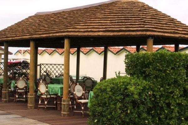 P rgolas porches y cenadores en beach trotters viviendu for Pergolas y cenadores