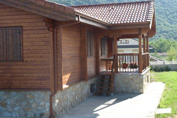 Cabañas de madera en Eguretxe & Sanz 13901