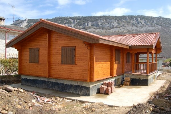 Cabañas de madera en Eguretxe & Sanz 13902